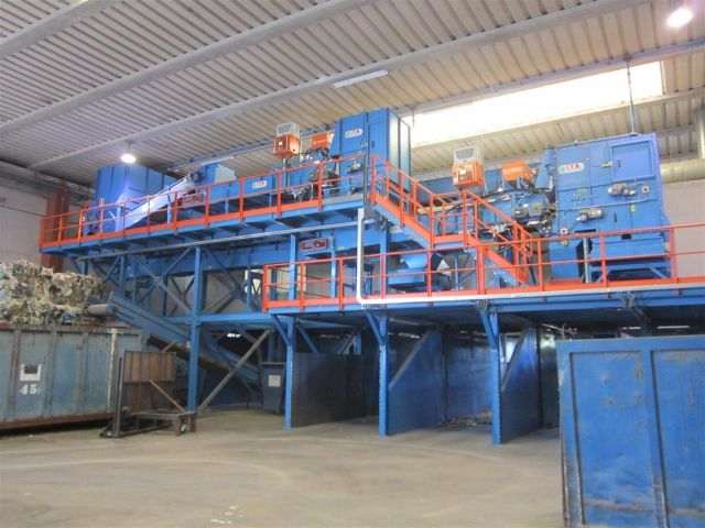 Automatic selection HDPE-PET  the new I T R  plant has been