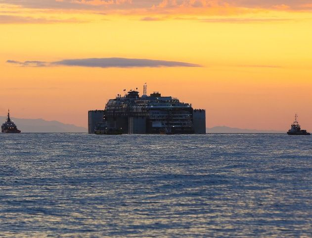 Dismantling and recycling of the Costa Concordia wreck