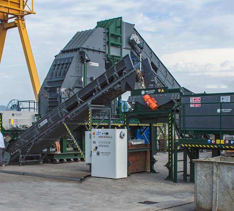 Scrap waste grinding for metal recovery